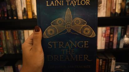 Strange the dreamer – Der Junge, der träumte